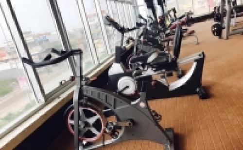 【伊拉克】买健身房器材就找广东康宜健身器材厂家