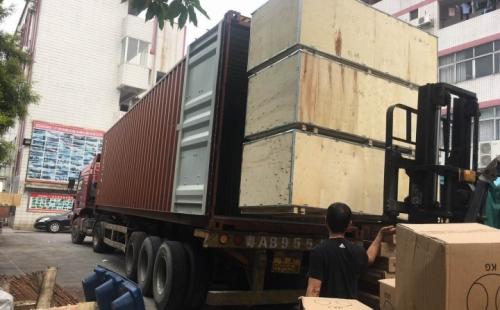 一起围观广州康宜健身器材厂家大型发货现场!