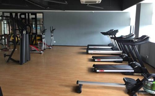 佛山飞南研究研究健身房