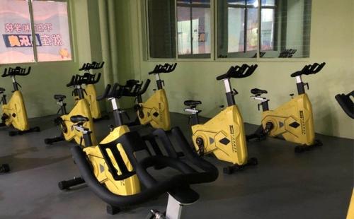 使用动感单车锻炼前需要做哪些准备?