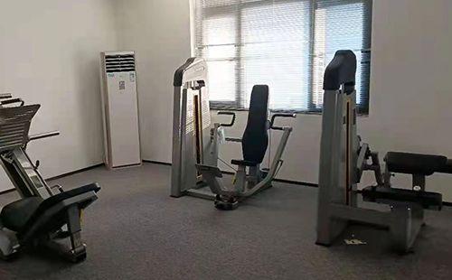 四川省思创建筑装饰材料有限公司健身房