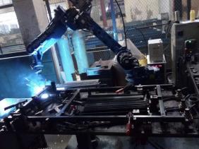 机器人焊接车间